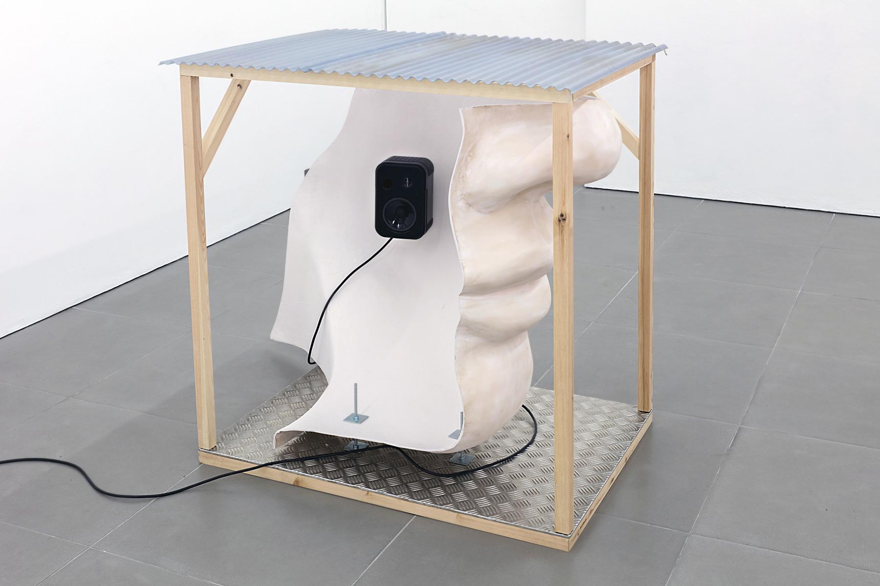 09. Anne de Vries, SUBMISSION 2015, wood, metal, fibreglass resin, audio, video