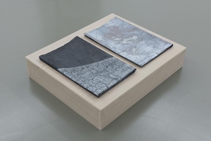 DST_Untitled_2015_Técnica mixta sobre papel y base de madera_63 x 76 x 16 cm