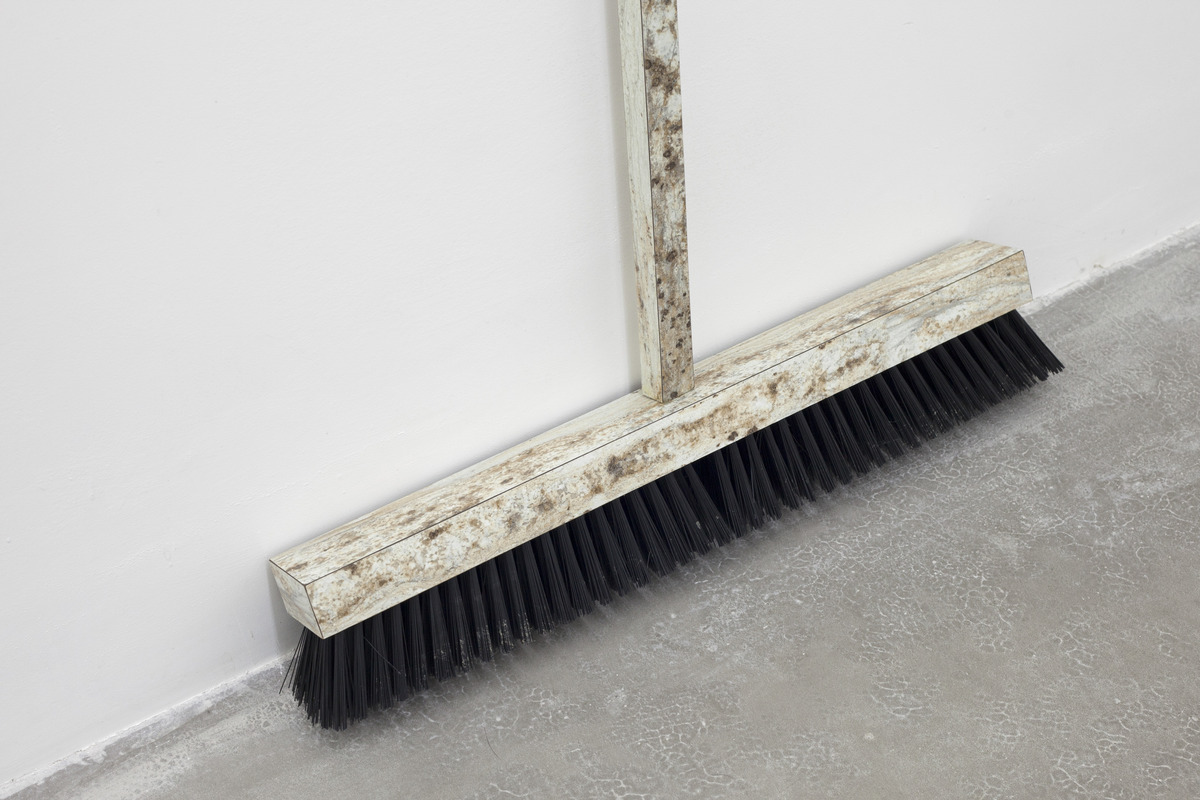 CC_03_Liam_Crockard_Broom_Detail