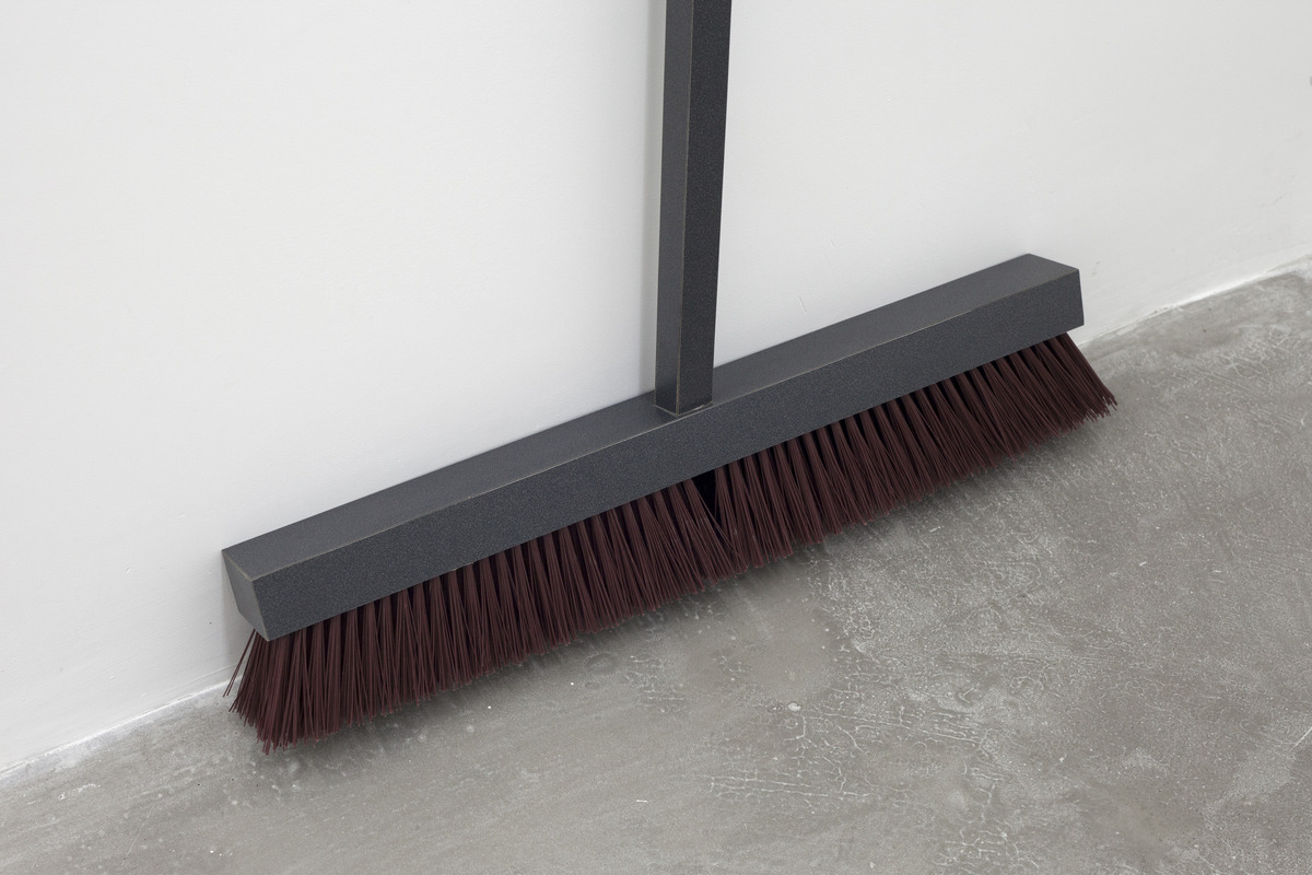 CC_08_Liam_Crockard_Broom_Detail