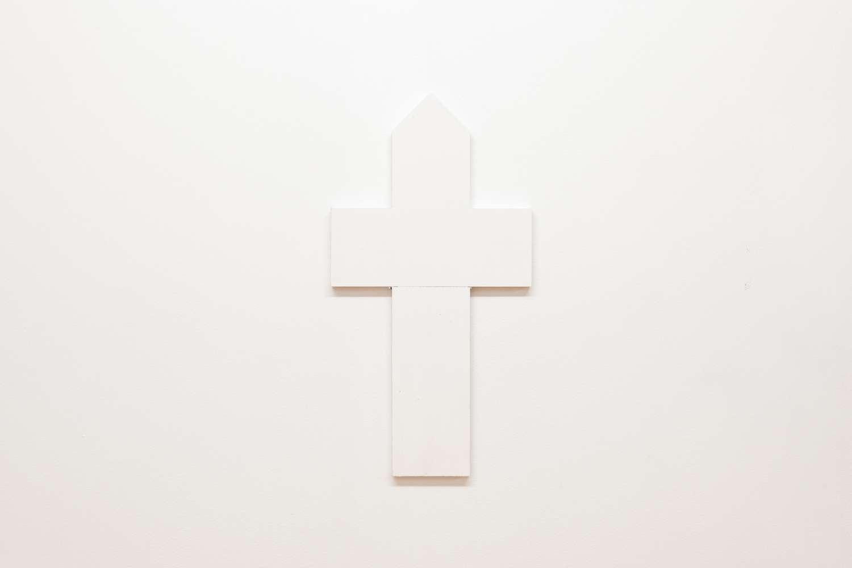 022-A_Hardashnakov-White Picket cross