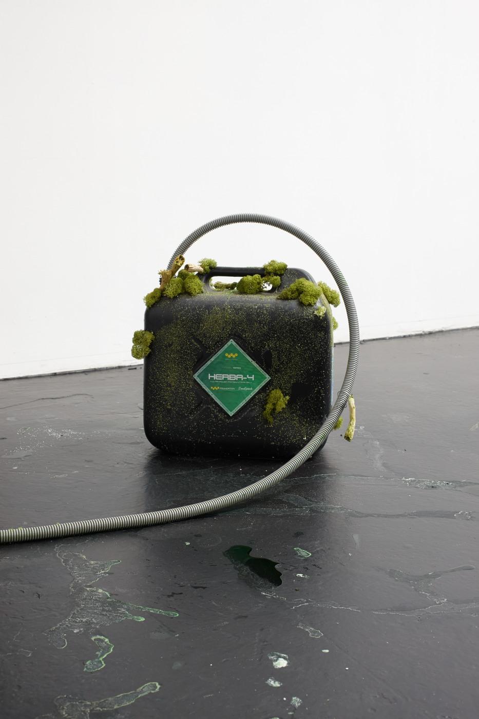 07. Veit Laurent Kurz - Untitled 1 of 2 (Herba-4 Bucket), 2015