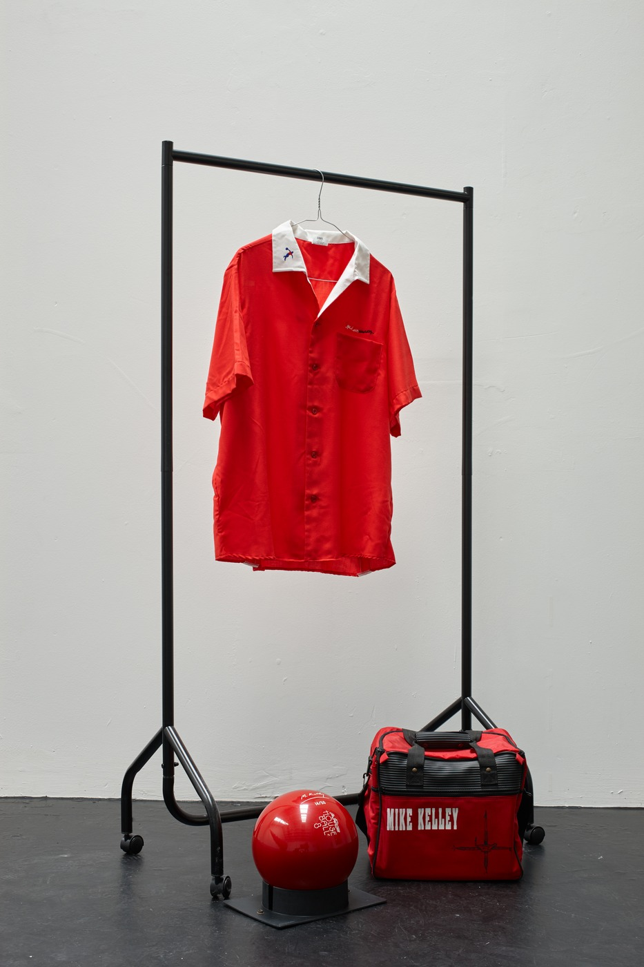 09. Mike Kelley - Untitled (Bowling Ball, Bag, and Shirt), 1991