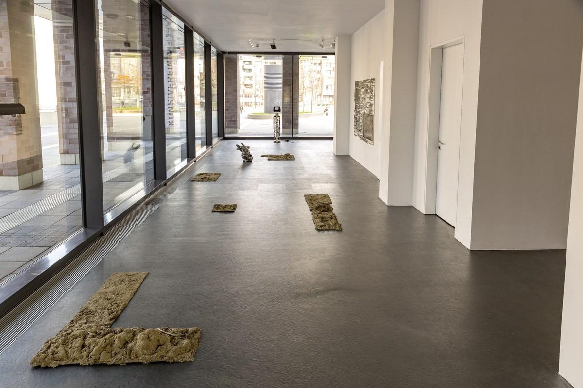 11_installation view_Picknick am Wegesrand_Dortmunder Kunstverein 2016_Foto Roland Baege