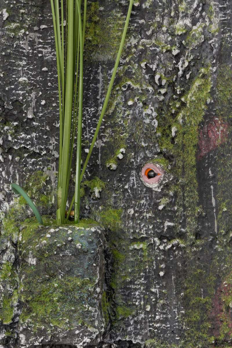 7_Veit Laurent Kurz_installation view_Detail_Picknick am Wegesrand_Dortmunder Kunstverein 2016_Foto Roland Baege