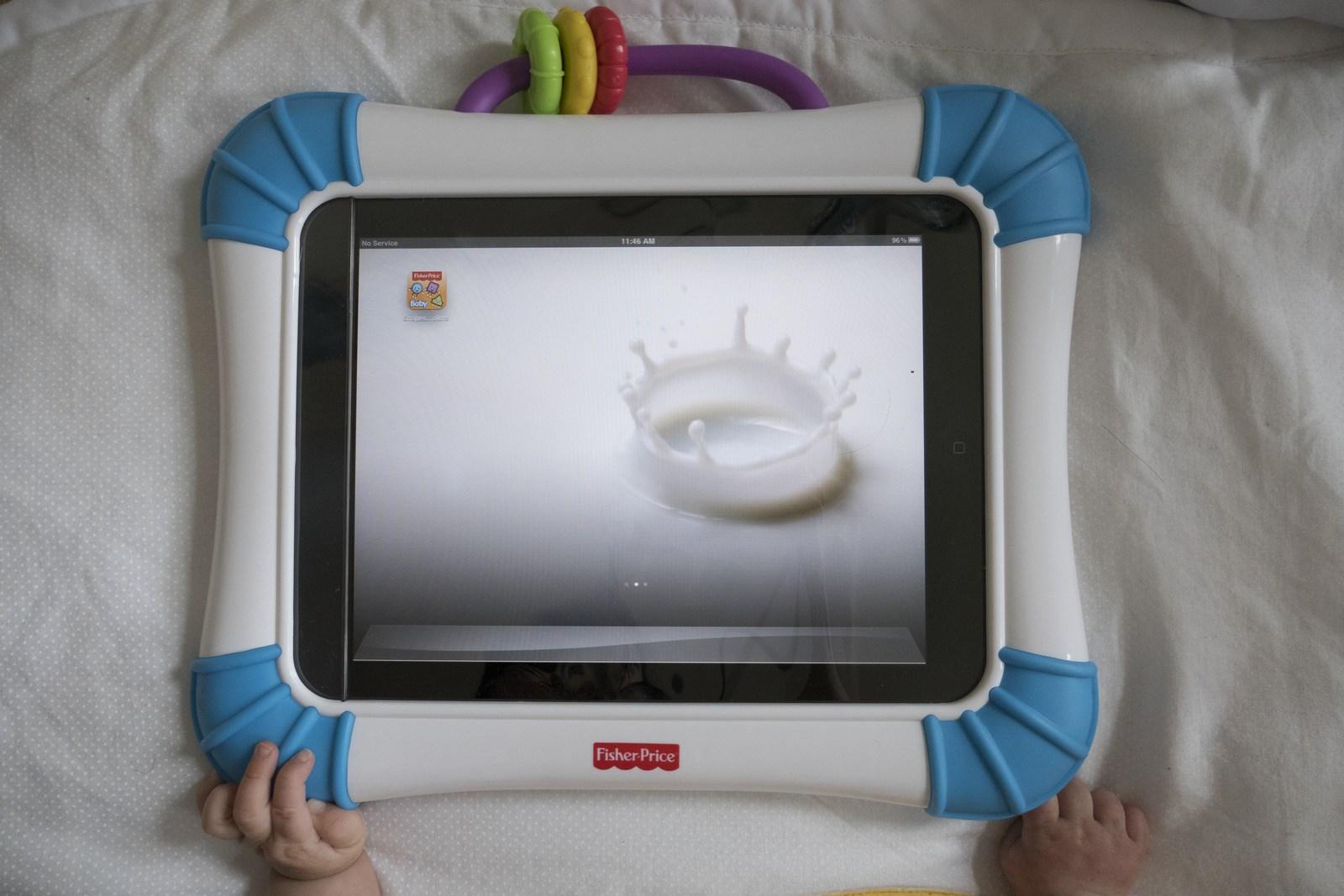 puppiespuppies_Goldies first iPad