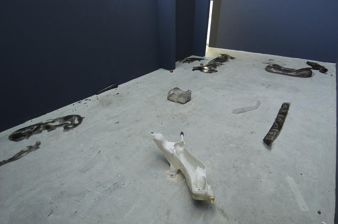 6 Giulia Cenci, Untitled (ash bones, plaster, graphite powder, silicon rubber, natural asphalt, bones char, fresh fruits, car's fragments plyester resin), 2016