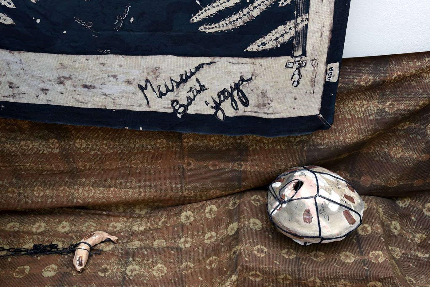 Ada Van Hoorebeke, Where Batik Belongs, 2016, installation view at Grimmuseum (3)