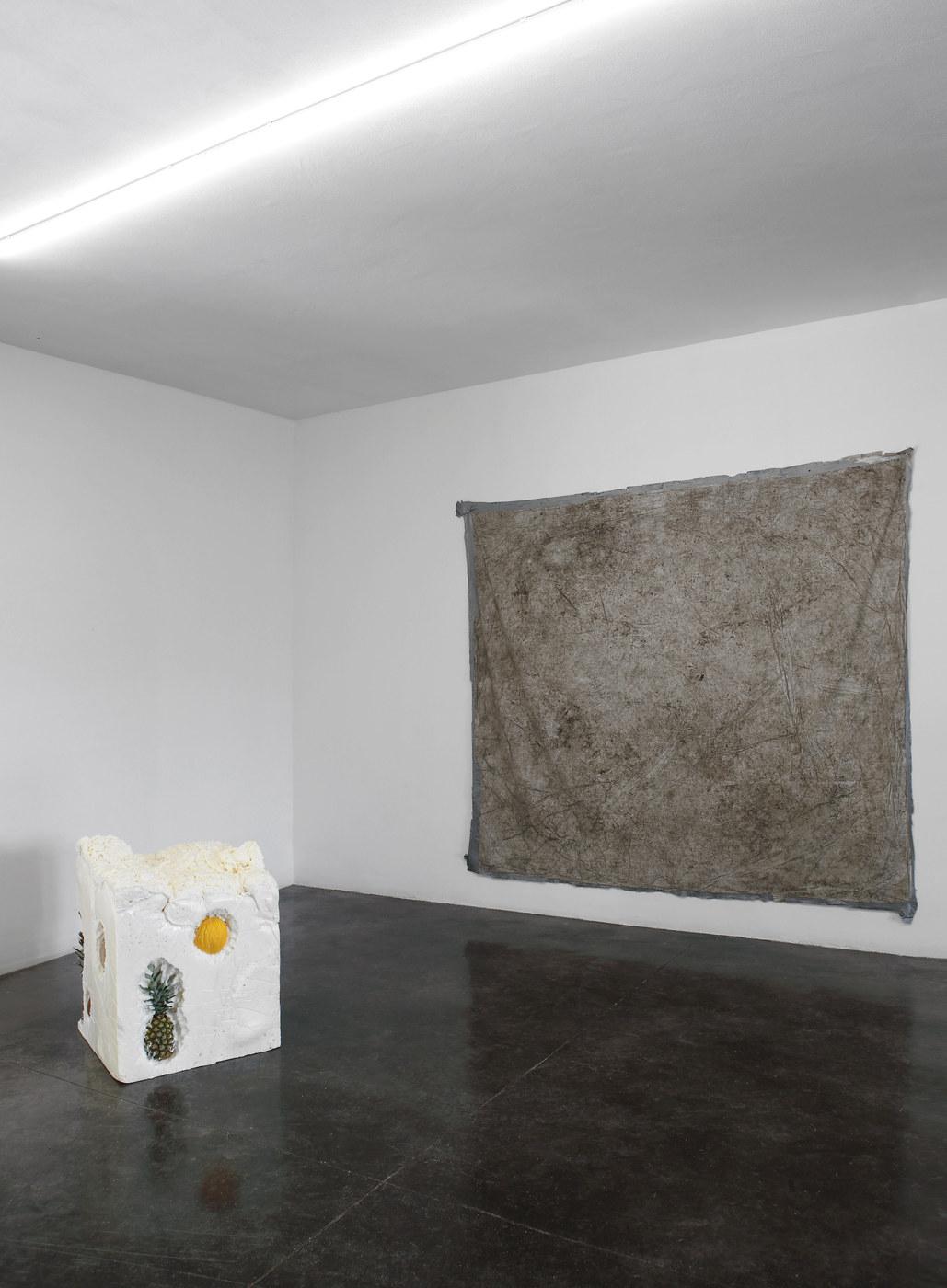 HawtShow_Moris (Israel Meza Moreno)+Alessandro Vizzini(sculpture)(2)