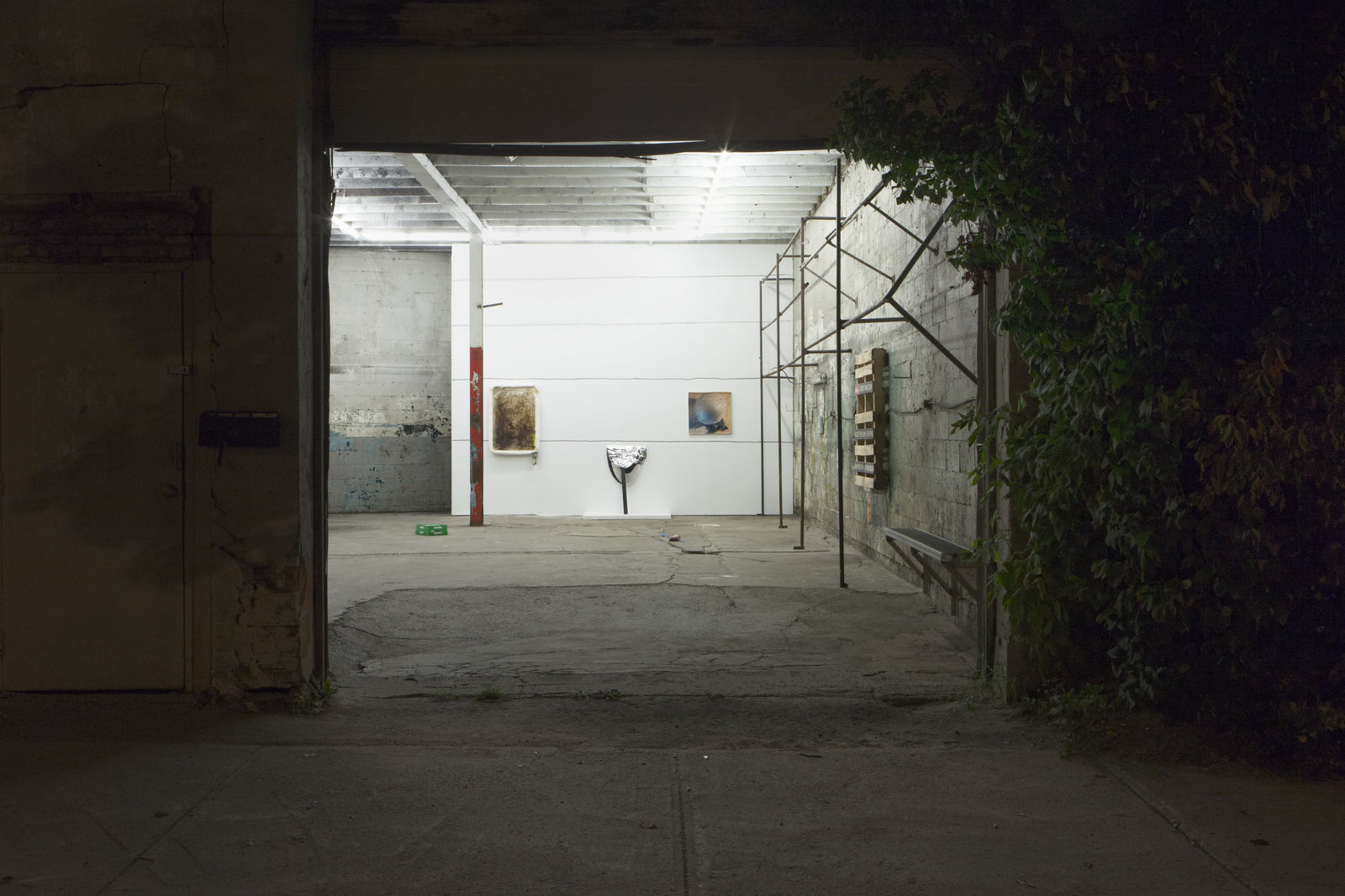 1_Installation View_Outside A