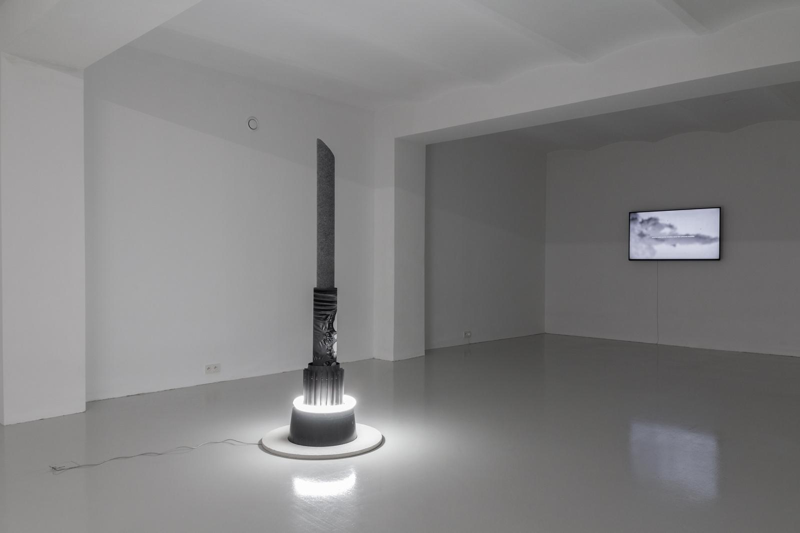 2_Mateusz Sadowski at SKALA_exhibition view