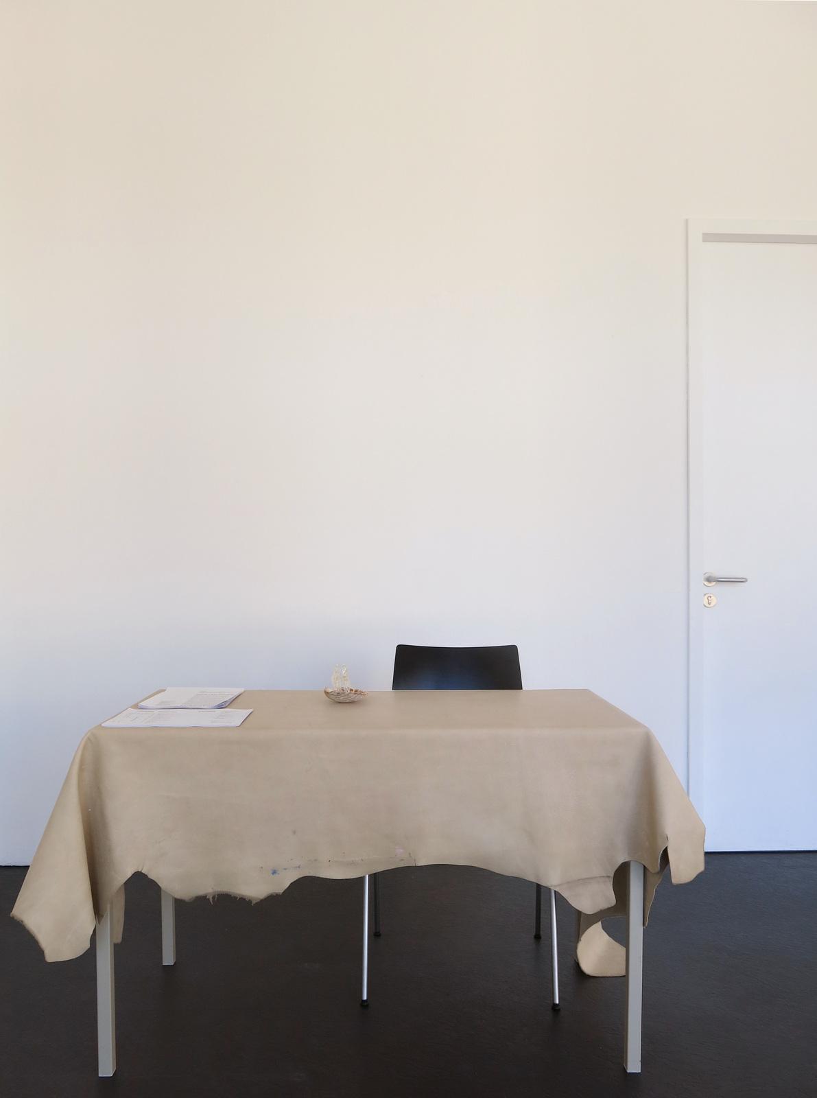 2_Sam Anderson_Desk Set_ICHTS_2016_Dortmunder Kunstverein_Foto DOKV