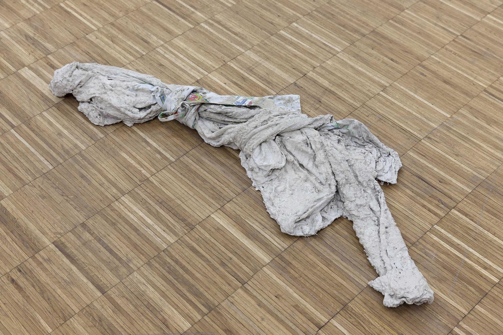29_Concrete_Coat_(Andres)_anna-Sophie_berger