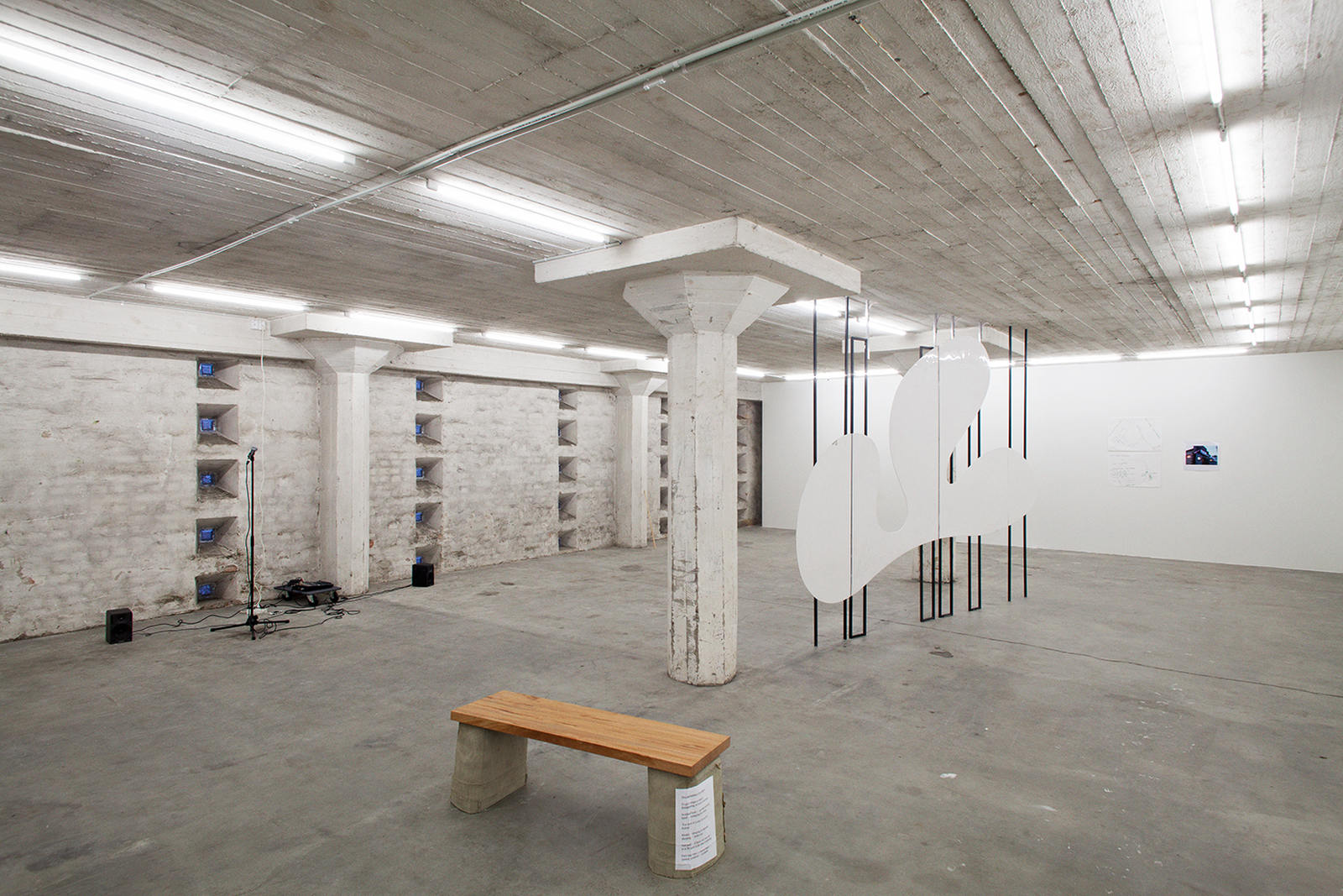 Exhibition-view-003