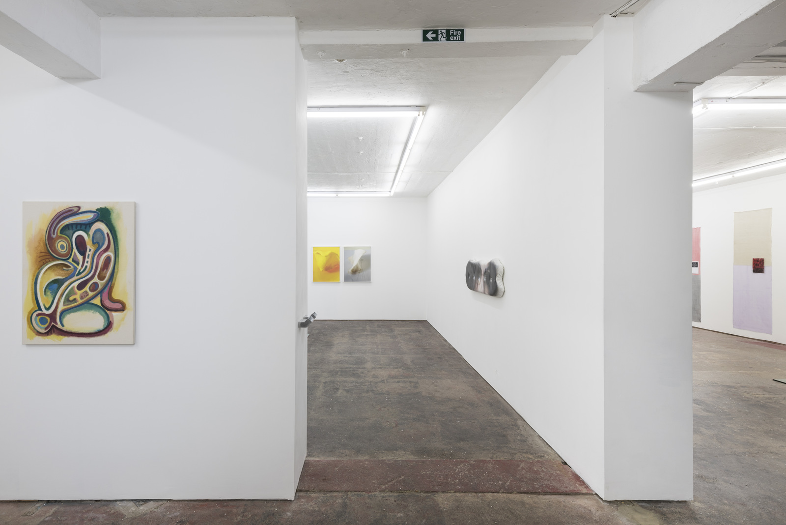 Lonesome Wife, Seventeen, Installation view 3