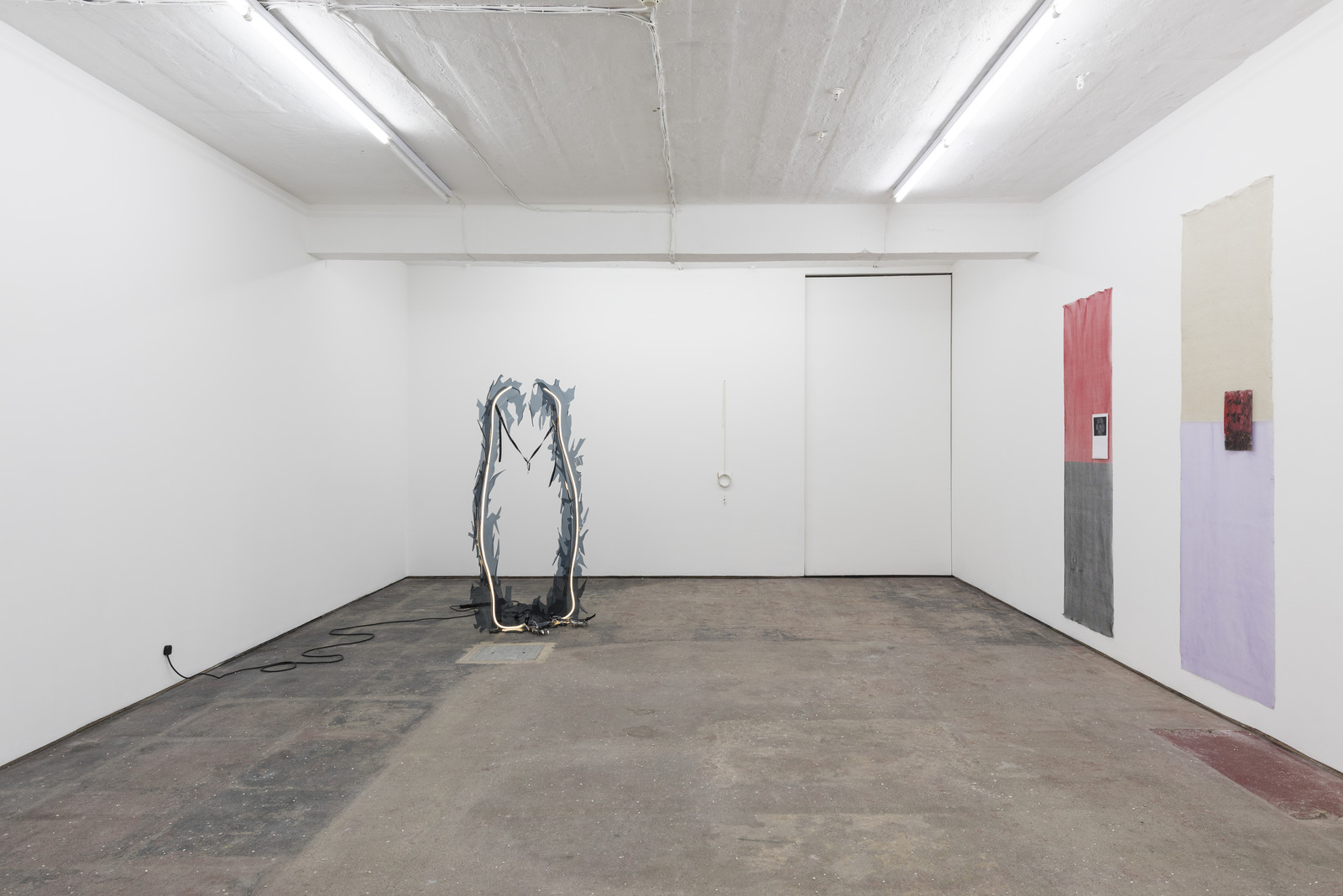 Lonesome Wife, Seventeen, Installation view 7