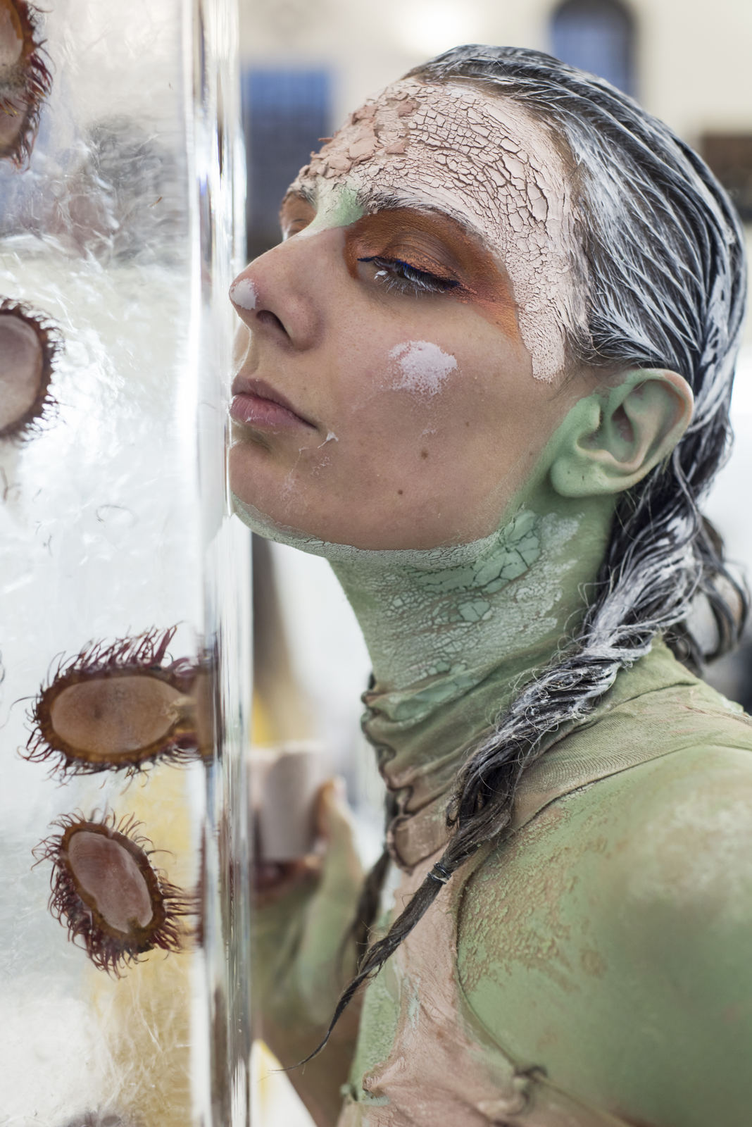 Donna Huanca - Scar Cymbals - performance 07.10.16 - Image Thierry Bal4