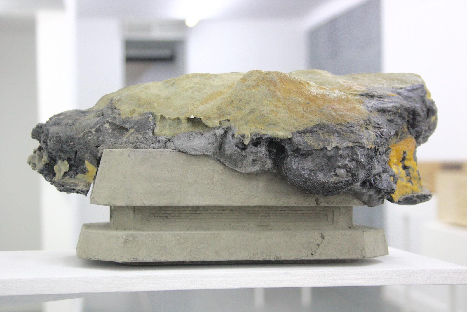 Katleen Vinck, f3.33, 2016, foam, acryl, 18x45x20 cm