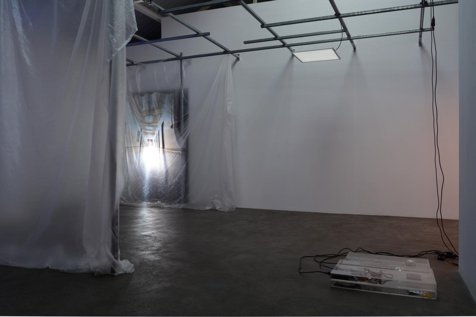 16. Yuri Pattison_sunset provision_installation view_(infinite corridor, infinite) Sunset Provision_dust,scraper, fan