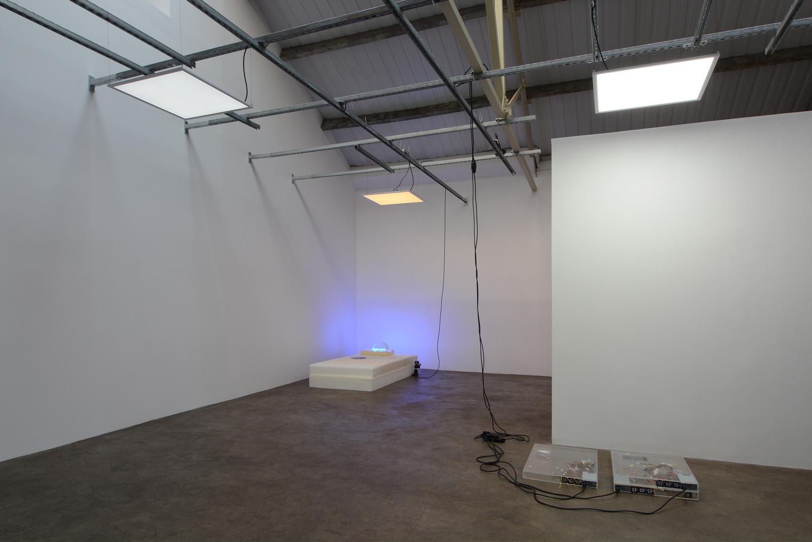 9. Yuri Pattison_sunset provision_installation view_memory foam remembers_dust, scraper, fan
