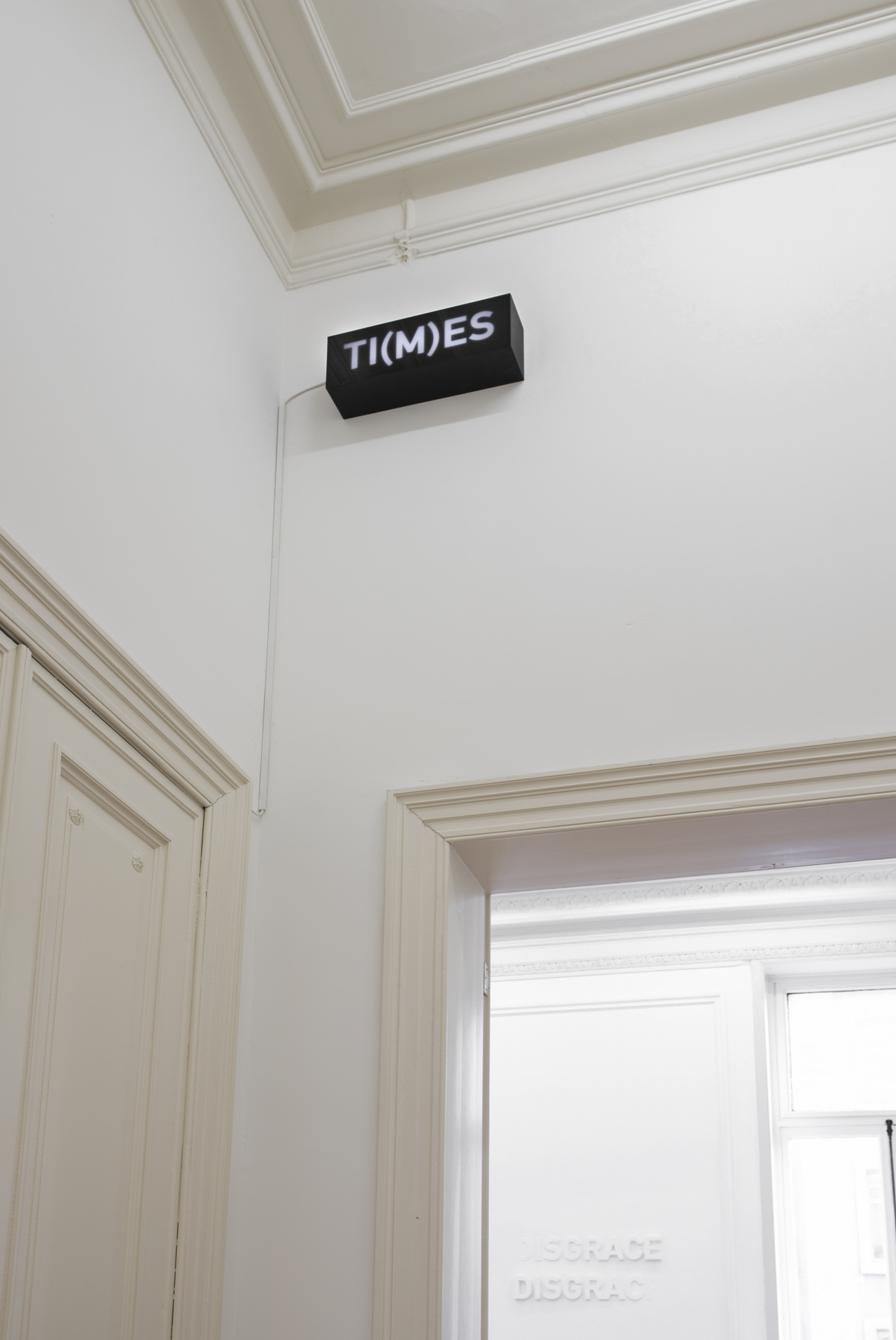 Melik Ohanian, Word(s) — Serie II, TI(M)ES, 2014, Animated lightbox with LED,17 x 50 x 12.5cm 1_1 + 1AP