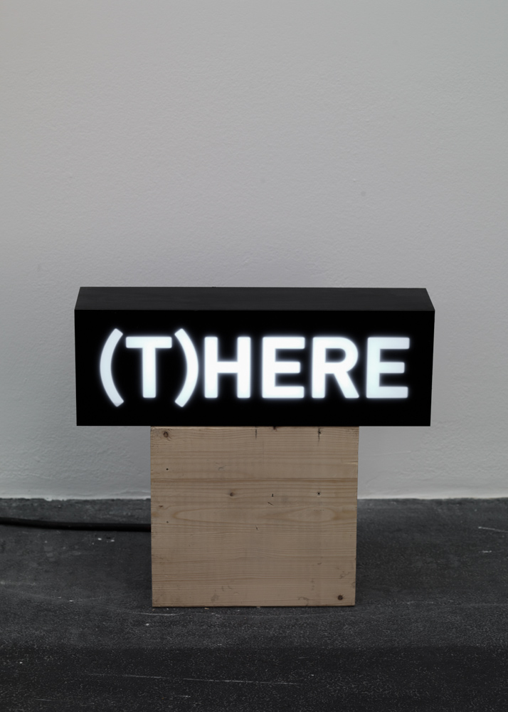 Melik Ohanian, Word(s) — Serie II, (T)HERE, 2014, Animated lightbox with LED, 17 x 50 x 12.5cm, 1_1 + 1AP