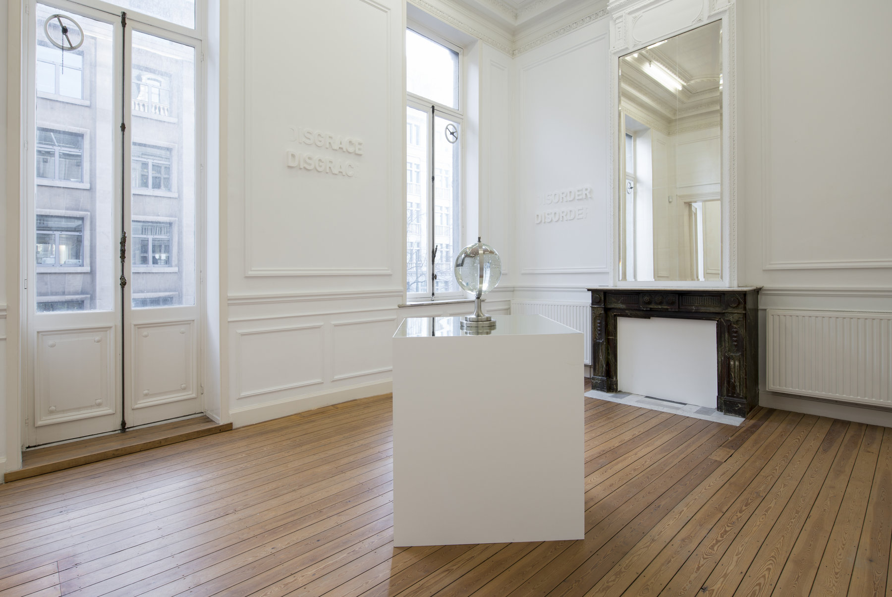 Melik Ohanian, IN TIME, Exhibition view (02)