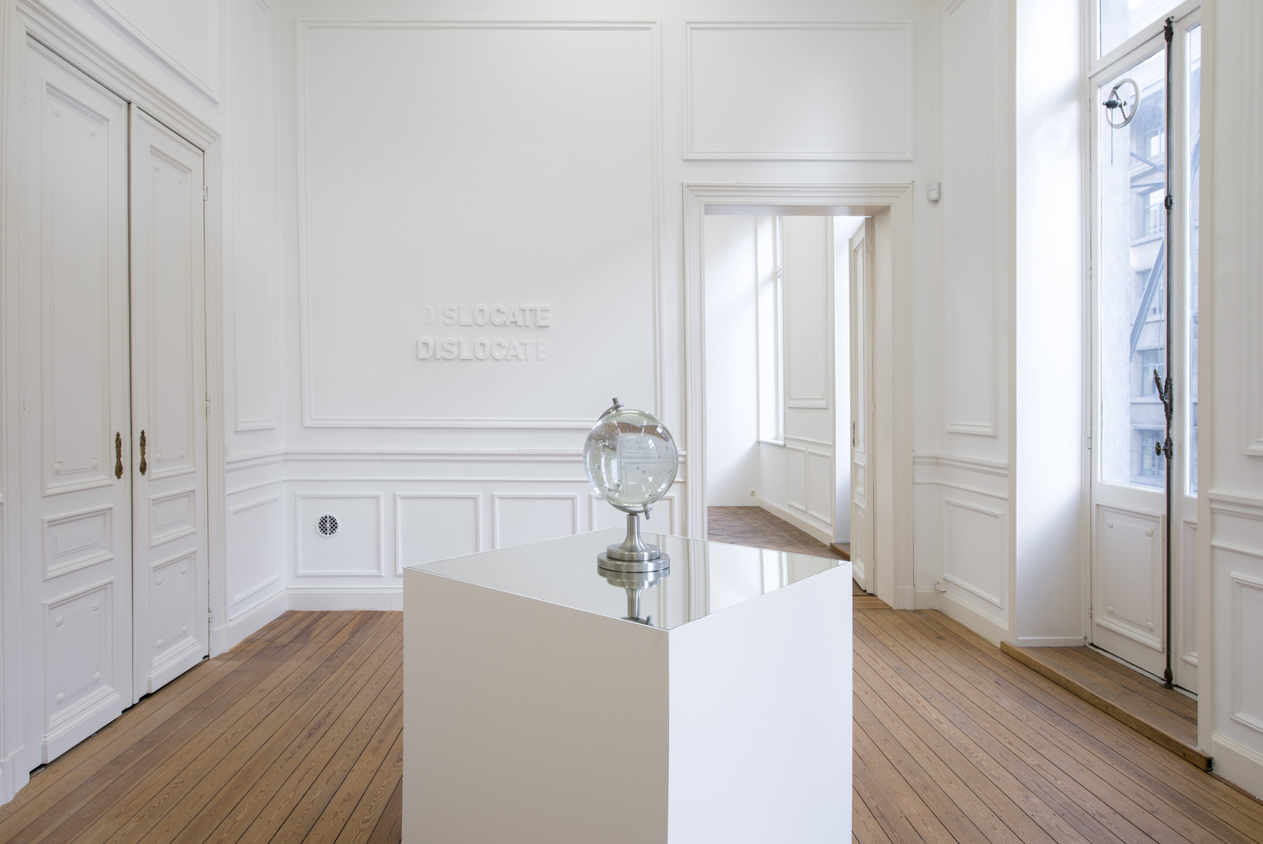 Melik Ohanian, IN TIME, Exhibition view (03)